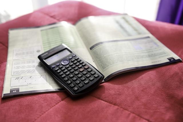 Calculator 791833 640