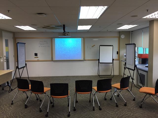 classroom-1508995_640